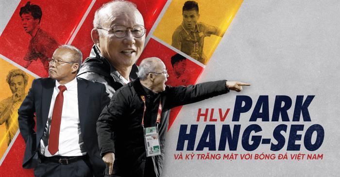 """HLV Park đang tận hưởng """"kỳ trăng mật"""" với bóng đá Việt Nam."""