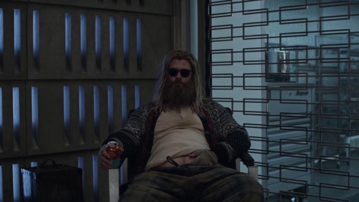 Thor đã ngủ trong cuộc họp với các Avengers