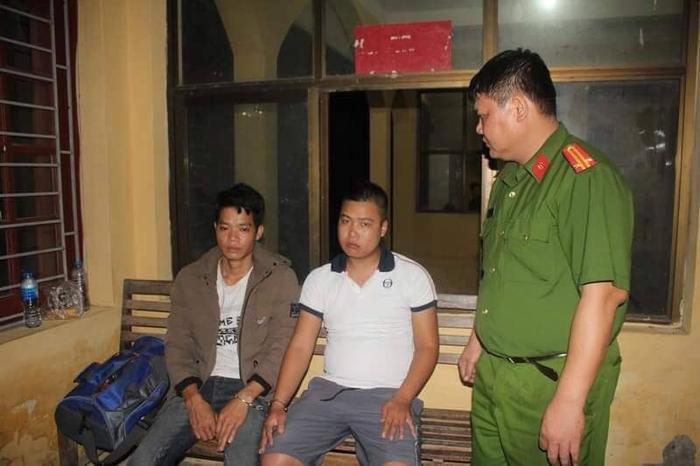 Hai đối tượng Đại và Thám bị công an bắt giữ.