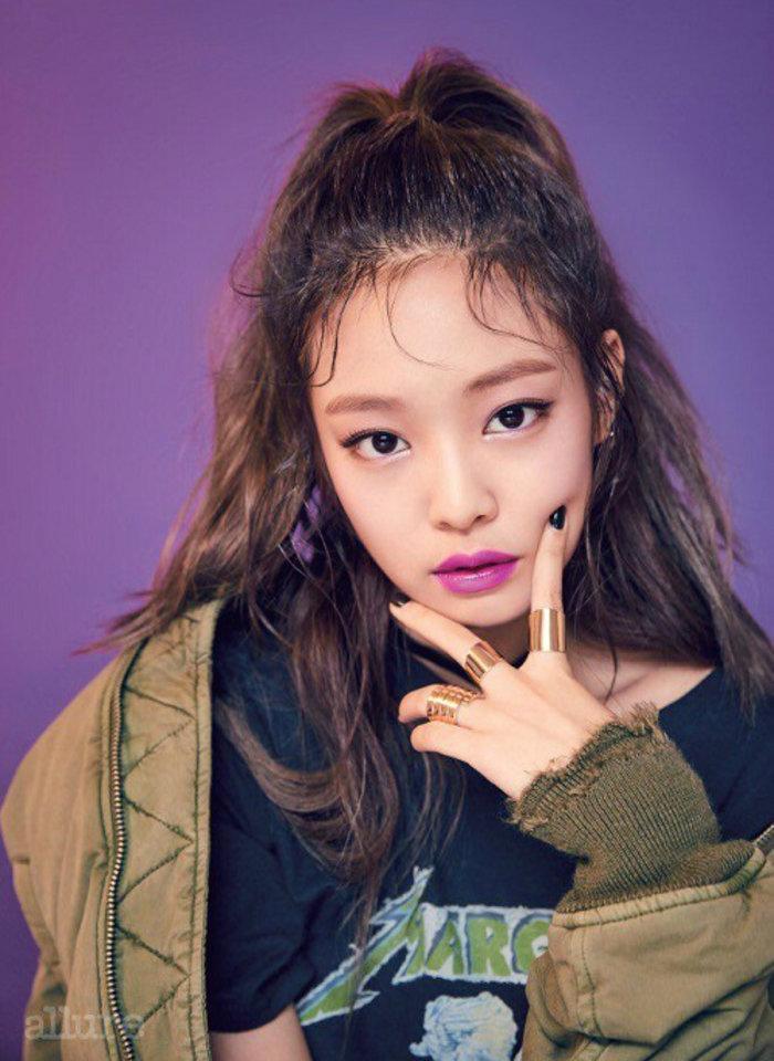Riêng cô nàng main rapper lại được yêu thích và có độ phủ sóng rộng rãi nhất tại Hàn Quốc.