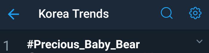 Hashtag được fan trending.