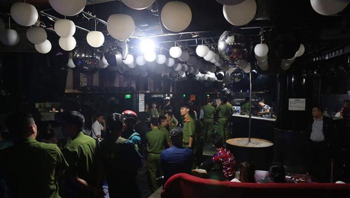 114 trường hợp dương tính ma túy tại quán bar TV Clup. Ảnh: báo Pháp Luật Việt Nam
