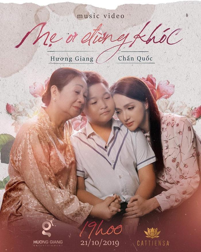 Hương Giang tung poster giới thiệu MV Mẹ ơi đừng khóc – một sản phẩm dành riêng cho học trò Chấn Quốc tại The Voice Kids 2019.
