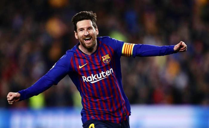 Nistelrooy đánh giá cao đẳng cấp Messi hơn Ronaldo.