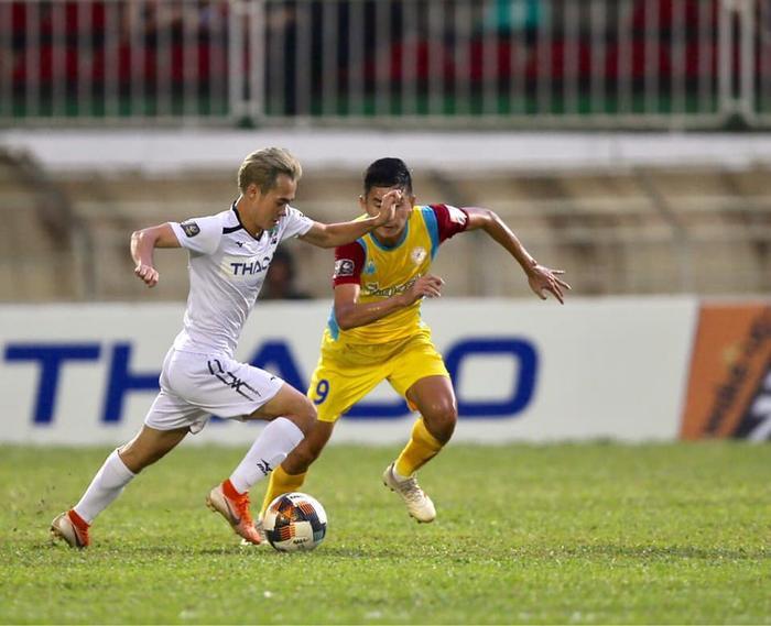 Số bàn thắng mà Văn Toàn đóng góp công sức chiếm gần 1 nửa số bàn thắng CLB HAGL ghi được trong mùa giải này.