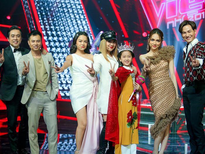 HLV Hương Giang đã đánh giá Kiều Minh Tâm có tố chất quán quân ngay từ vòng thi đầu tiên.