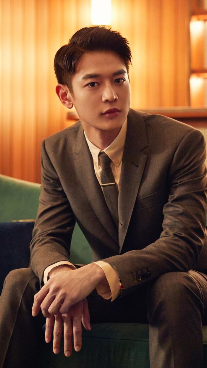 Choi Min Ho: 27 tuổi (1991).
