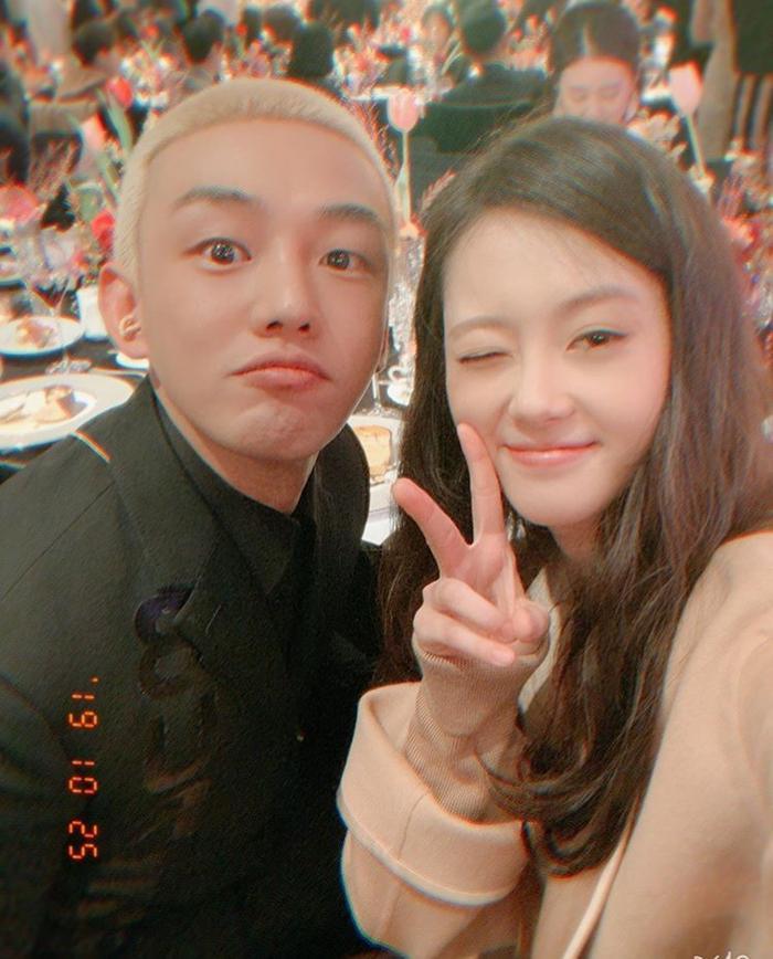 Go Ara tái hợp Yoo Ah In sau 15 năm, đoàn tụ bên Jessica Jung và Henry ảnh 0