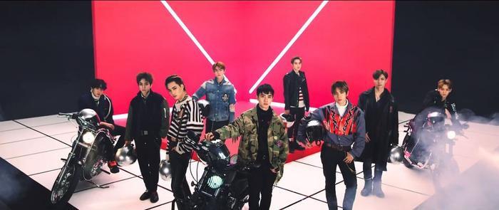 EXO thông báo về màn comeback cuối năm: Fan quan tâm liệu Lay có cùng tái xuất?