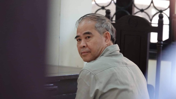 Bị cáo bị tuyên tổng hình phạt 8 năm tù giam.