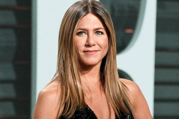 Vẻ đẹp ấm áp của Jennifer Aniston đang dần mất đi vị thế.