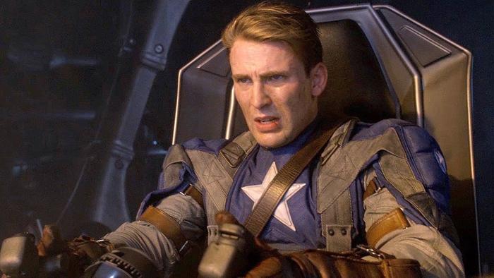 Captain America hi sinh để phá hủy toàn bộ vũ khí.