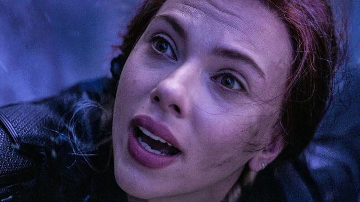 Black Widow nhảy vực để đổi lấy Viên đá Linh hồn.
