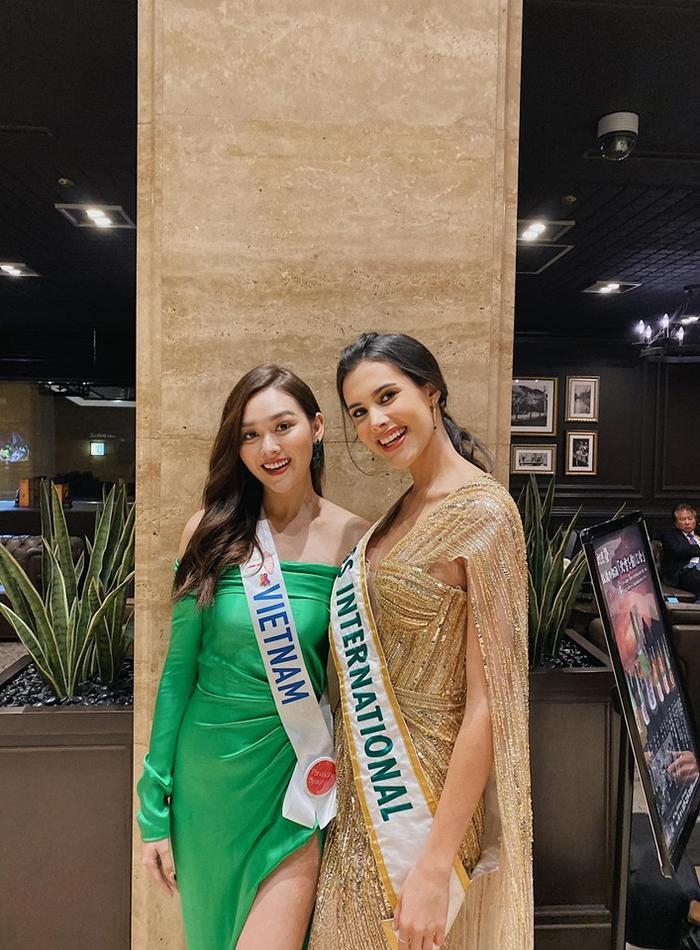 Và cả đương kim Hoa hậu Quốc tế 2018 - Mariem Velazco.