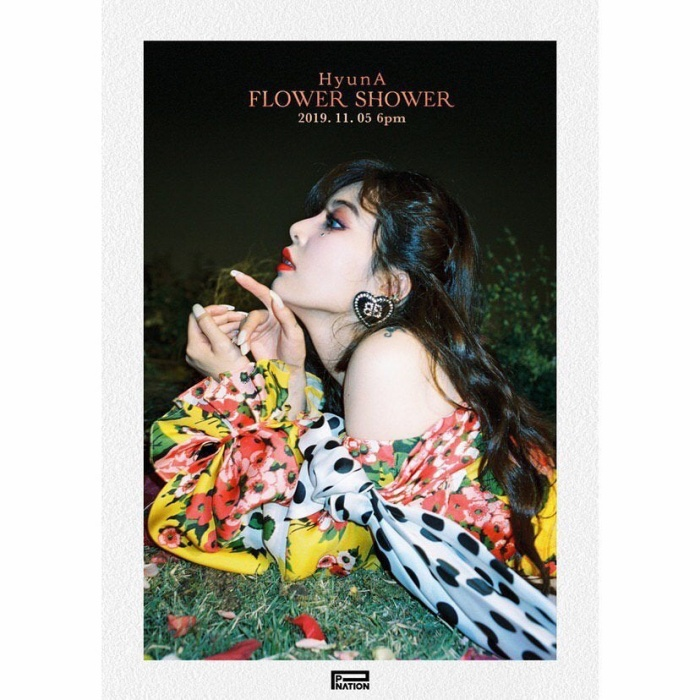 HyunA trong concept của Flower Shower…