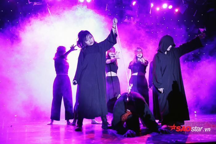 Những hình ảnh ấn tượng trong đêm hội Halloween của sinh viên báo chí ảnh 5