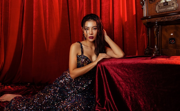 Thanh Hương trang điểm nồng nàn quyến rũ cho dạ tiệc cuối thu ảnh 5