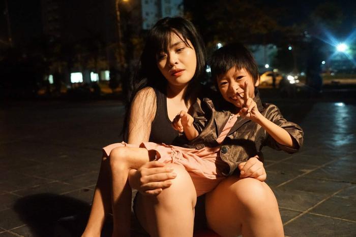 Cô gái Hà Nội bất chấp bị kỳ thị vẫn nhận nuôi bé gái lở loét khắp người và câu chuyện xót xa chạm đến trái tim ảnh 5