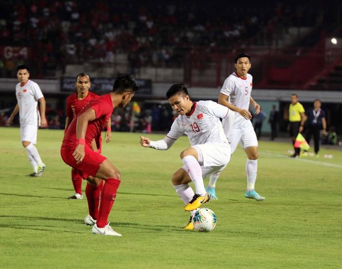 Quang Hải đang có lợi thế rất lớn nhờ thành tích dưới màu áo ĐTQG. Ảnh: Hanoi FC.