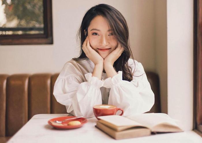 Khánh Vy còn là thần tượng của nhiều các bạn học sinh – sinh viên vì vừa học giỏi, xinh đẹp lại còn tài năng.