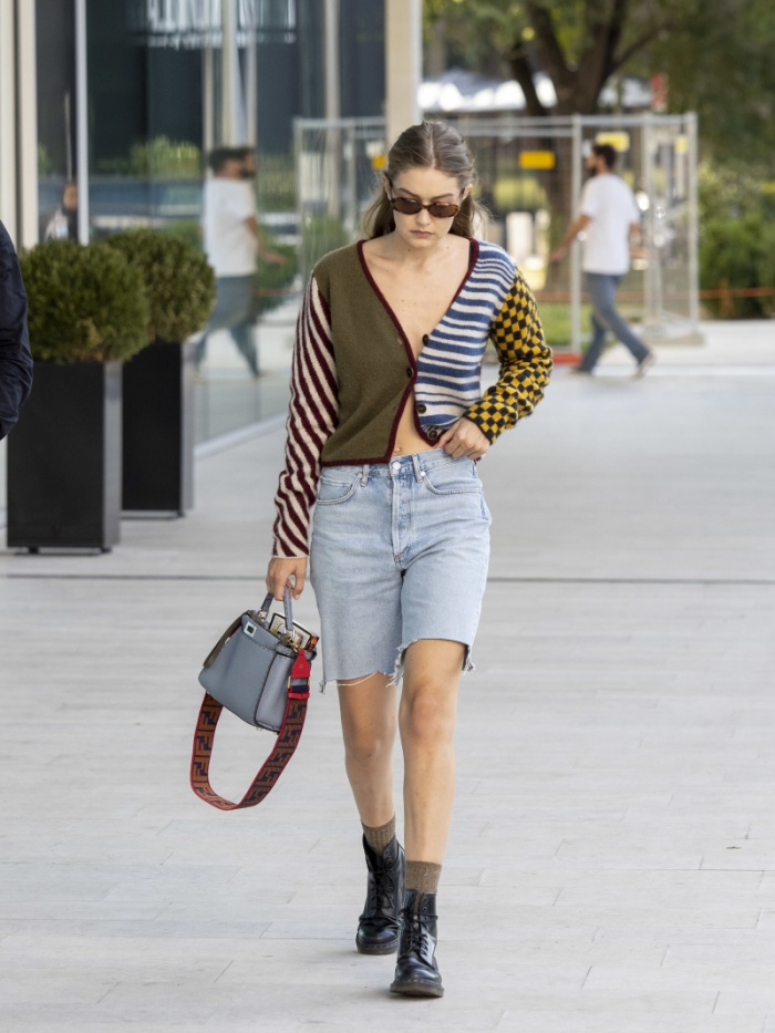 Kim Kardashian, Rihanna, Gigi Hadidđưa loạt phong cách thời trang 2000s trở thành hot trend năm 2020 ảnh 3