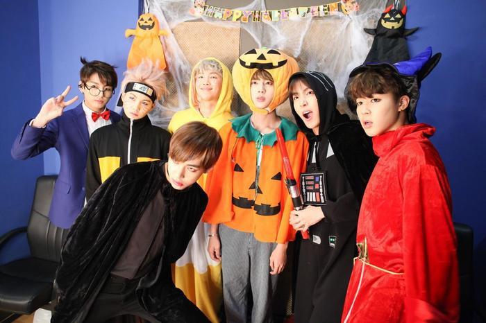 BTS bất ngờ tung video ma quái trên TikTok chào đón lễ Halloween ảnh 1