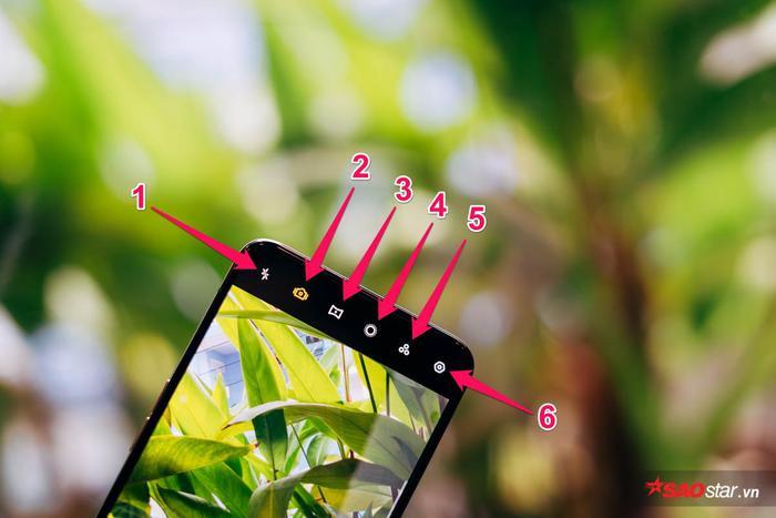 1 là bật/tắt đèn Flash LED, 2 là chế độ Siêu Ổn Định Cảnh Quay, 3 là ống kính góc siêu rộng, 4 là chế độ quay xóa phông, 5 là filter màu và 6 chính là phần cài đặt
