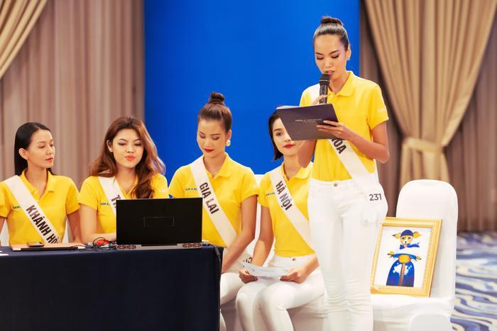 Người đẹp Lê Hoàng Phương có điểm tích luỹ dẫn đầu Top 60 đến thời điểm hiện tại.