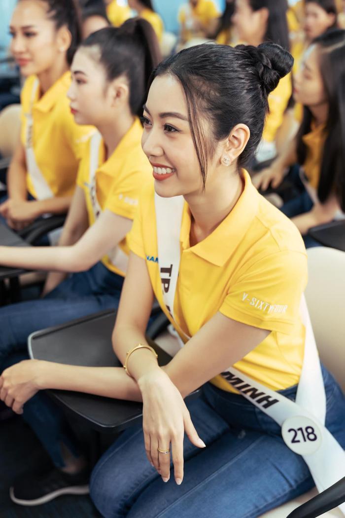 Thúy Vân trụ vững trong Top 5 thí sinh xuất sắc nhất khiến các fan của cô nàng vô cùng hào hứng.