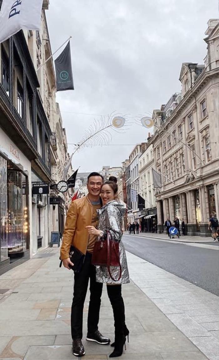 Nhiều người còn cho rằng Chi Bảo và Thùy Chang chỉ cách nhau 2 đến 3 tuổi
