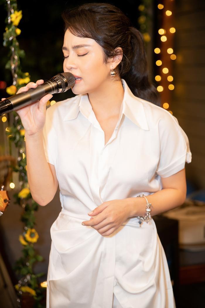 Hậu chia tay Quang Đăng, Thái Trinh dần lấy lại tinh thần và tập trung hơn vào âm nhạc.