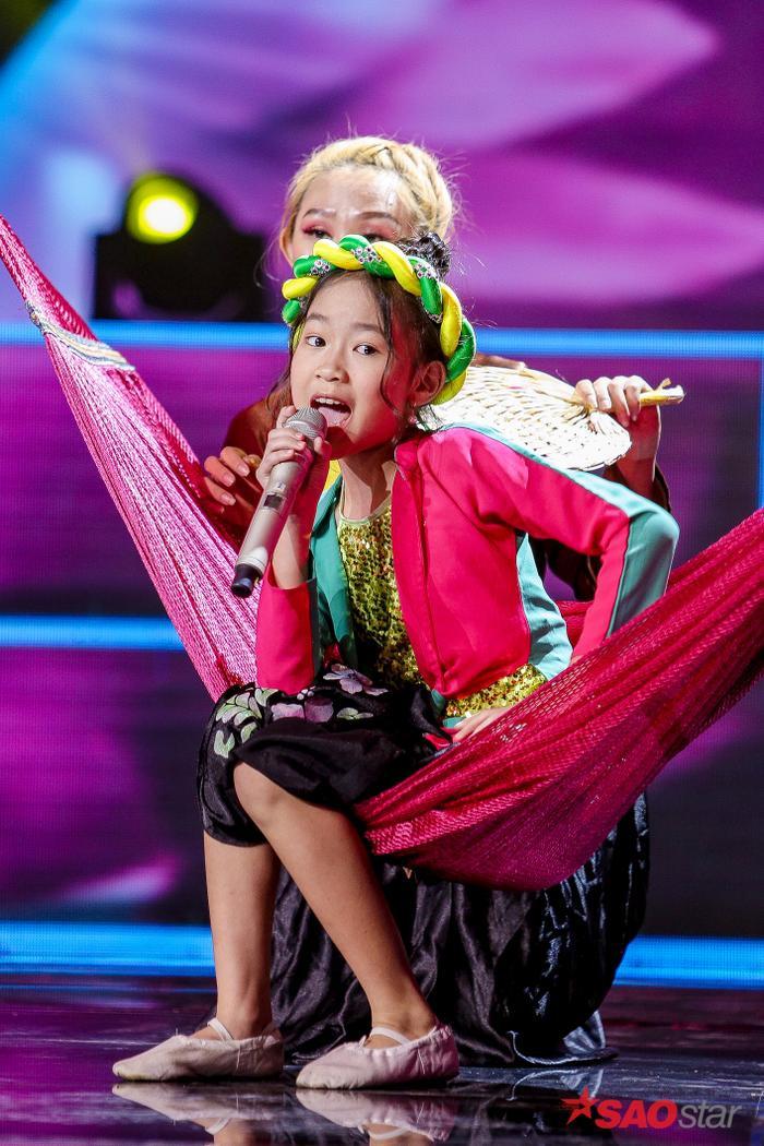 Hé lộ màn song ca đầy cảm xúc của cô trò Hương Giang  Ngọc Nhi chưa có cơ hội diễn đêm Bán kết ảnh 1