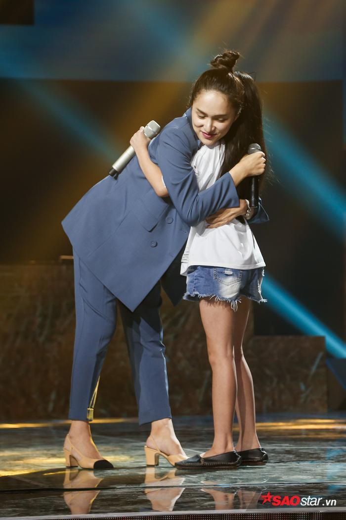 Hé lộ màn song ca đầy cảm xúc của cô trò Hương Giang  Ngọc Nhi chưa có cơ hội diễn đêm Bán kết ảnh 5
