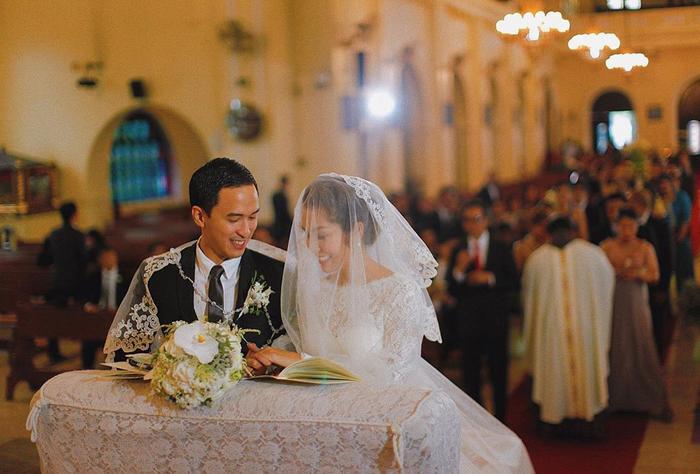 Tăng Thanh Hà chia sẻ ảnh cưới ở nhà thờ trong ngày kỷ niệm 7 năm kết hôn