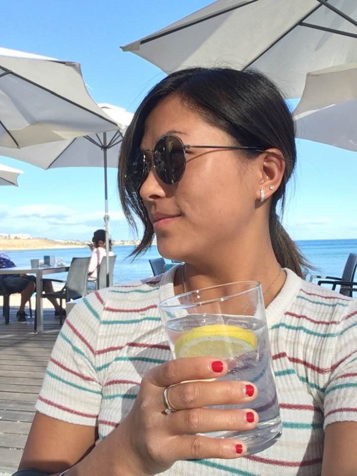 Lò Thị Mai ngày càng duyên dáng và có những kỳ nghỉ bên bãi biển