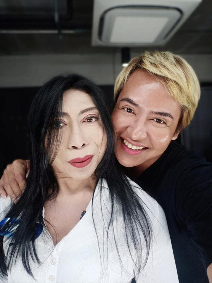 Sitang Buathong, người chuyển giới đào hoa từng nổi tiếng nhất mạng xã hội Thái Lan bây giờ ra sao? ảnh 0
