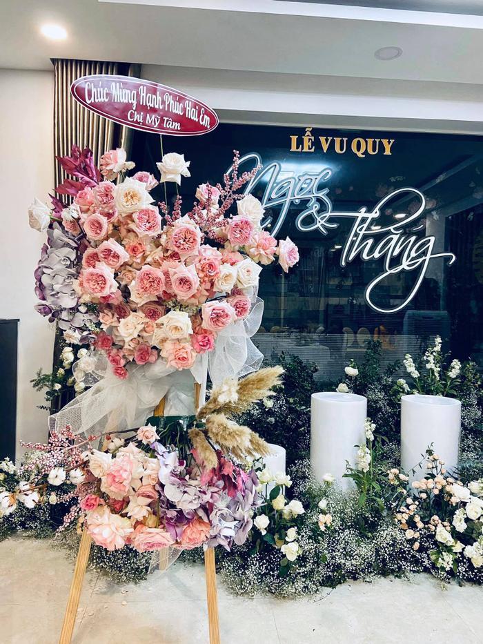 Mỹ Tâm gửi hoa chúc mừng đám cưới Đông Nhi - Ông Cao Thắng