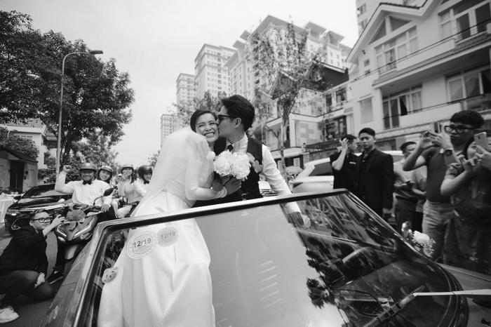 Khoảnh khắc xúc động: Mỹ Tâm gửi hoa chúc mừng  đám cưới, Đông Nhi bẽn lẽn chờ chú rể Ông Cao Thắng đến rước dâu ảnh 14