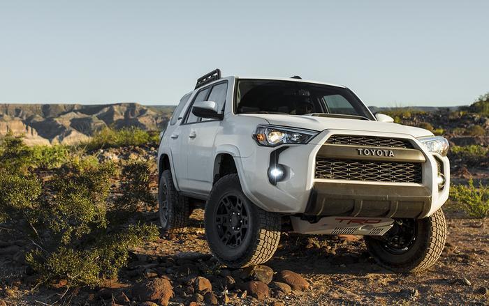 Đứng ở vị trí thứ 5 là mẫu SUV Toyota 4Runner với tỷ lệ mất giá sau 5 năm là 36,5%.