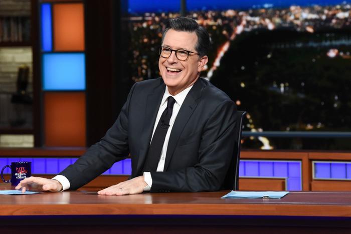 The late show with Stephen Colbert là kênh YouTube có điểm số P-Score cao nhất trong số229 kênh mà nhóm các YouTuber đã thử phân tích. (Ảnh:Scott Kowalchyk/CBS)