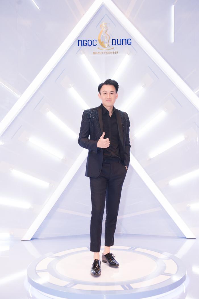 Ca sĩ Dương Triệu Vũ