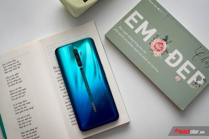 Sang đến nhân vật chính OPPO Reno2 F Xanh Tinh Vân thì cảm nhận đầu tiên mà chiếc smartphone này mang lại là rất đẹp và bắt mắt.