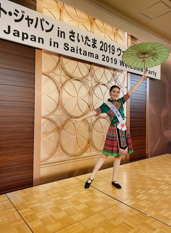 Phần thi của Tường San được nhiều sự ủng hộ và khen ngợi từ các người đẹp tham gia cuộc thi.