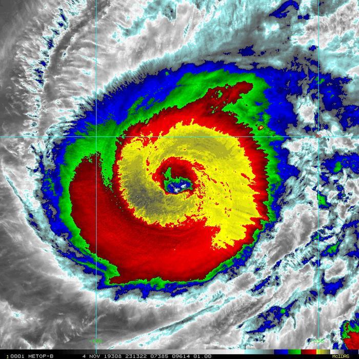 Ảnh hồng ngoại cho thấy sức mạnh khủng khiếp của siêu bão Hạ Long. Ảnh: Severe Weather EU.