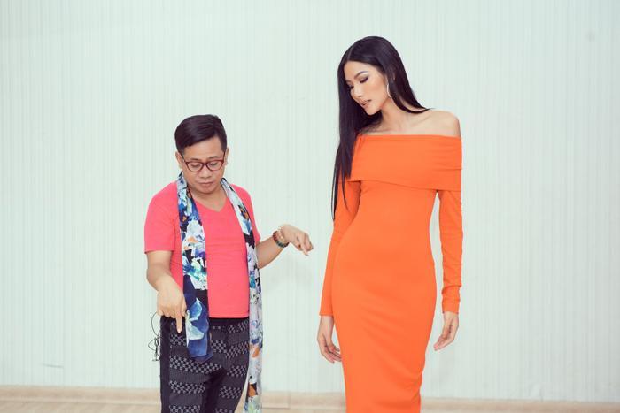 Thầy dạy catwalk của HHen Niê 3 lần liên tiếp khẳng định Hoàng Thùy sẽ đăng quang Miss Universe 2019 ảnh 0