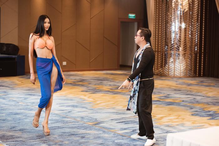 Thầy dạy catwalk của HHen Niê 3 lần liên tiếp khẳng định Hoàng Thùy sẽ đăng quang Miss Universe 2019 ảnh 7