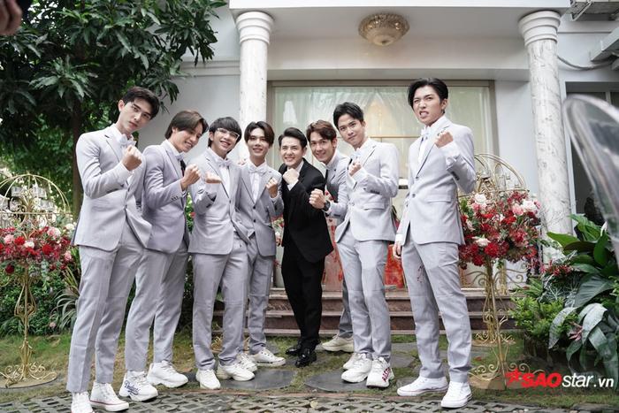Ông Cao Thắng cười không ngớt trong ngày thành hôn, Song Luân  Uni5 làm phù rể cạnh tranh độ soái ca ảnh 3