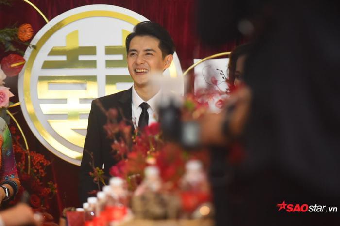Ông Cao Thắng cười không ngớt trong ngày thành hôn, Song Luân  Uni5 làm phù rể cạnh tranh độ soái ca ảnh 8