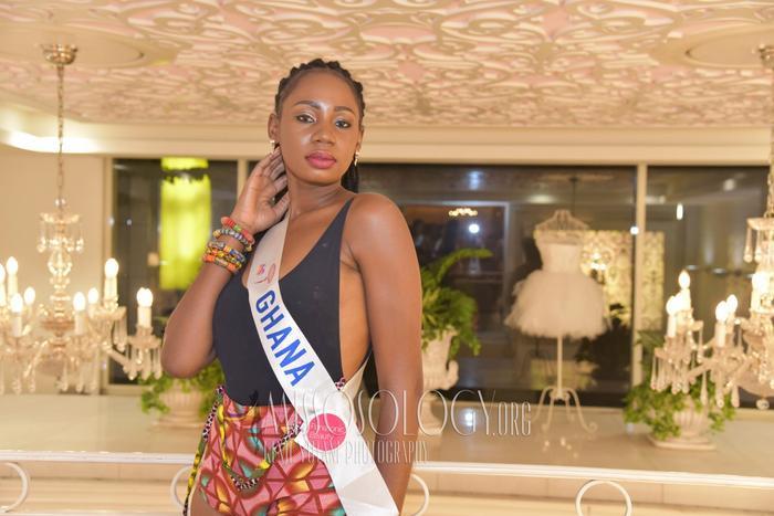 Đại diện đến từ Ghana không chỉ để lộ thân hình quả lê có phần dư cân mà việc bắp tay to và thô cũng khiến khán giả lắc đầu.