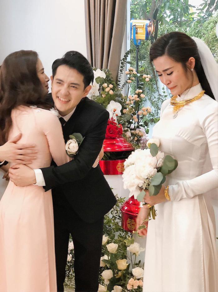 Hình ảnh xúc động trong lễ rước dâu của Ông Cao Thắng và Đông Nhi